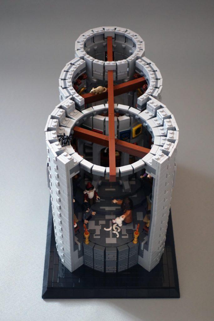 LEGO Harry Potter Dumbledores office 2