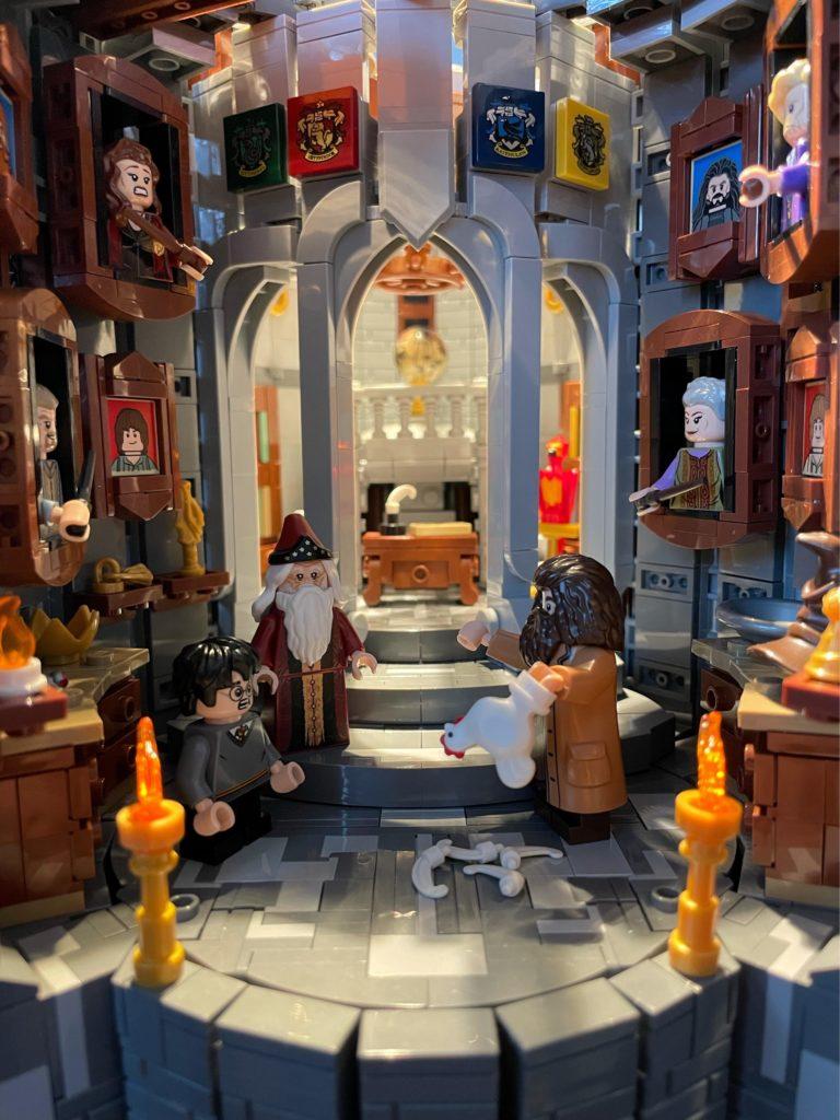LEGO Harry Potter Dumbledores office 4