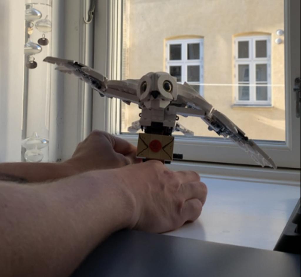 LEGO Hedwig Dancing