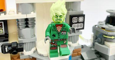 LEGO Hidden Side 70418 JBs Ghost Lab