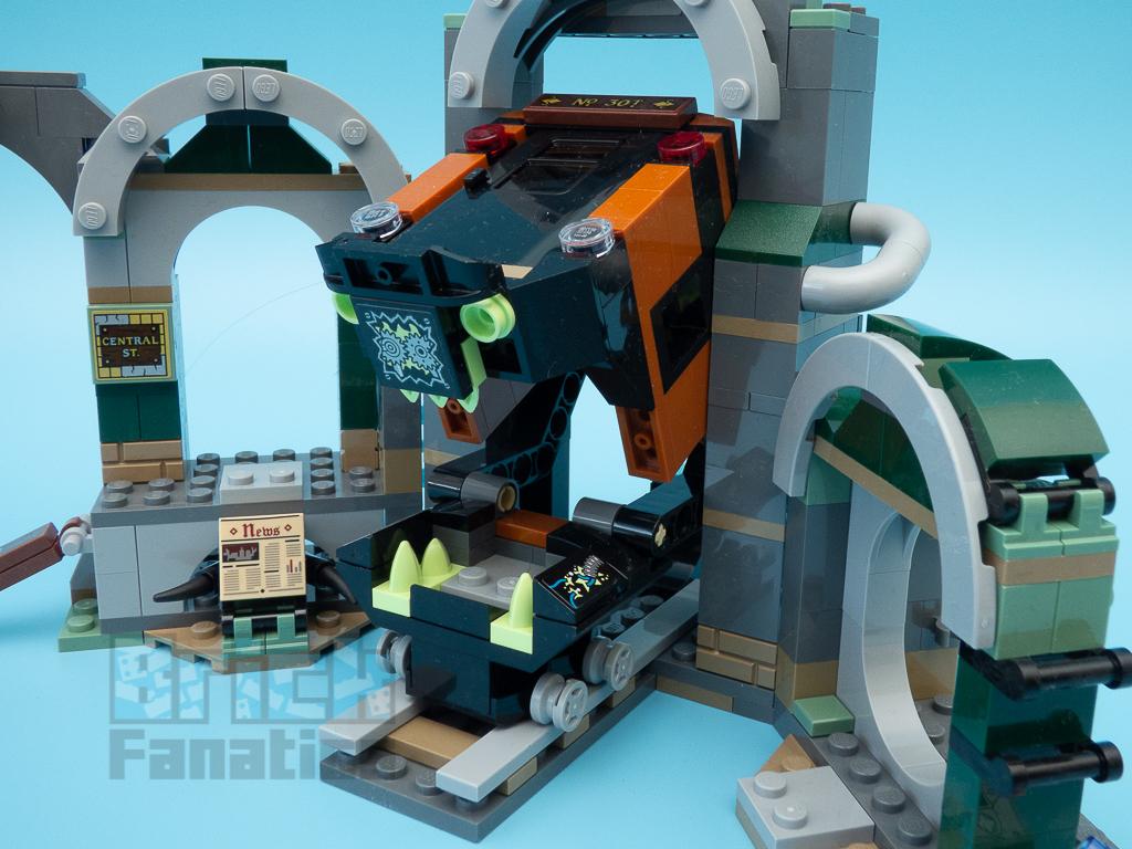 LEGO Hidden Side 70430 Newbury Subway 10