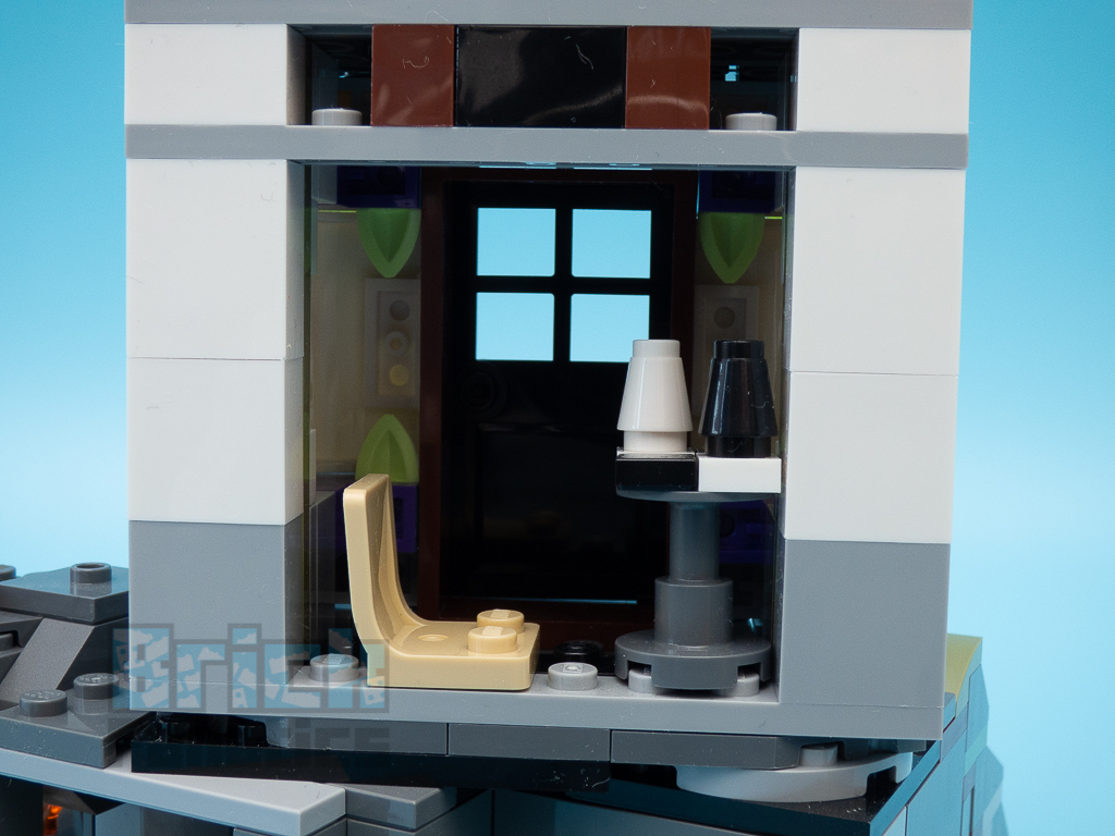 LEGO Hidden Side 70431 The Lighthouse Of Darkness 15