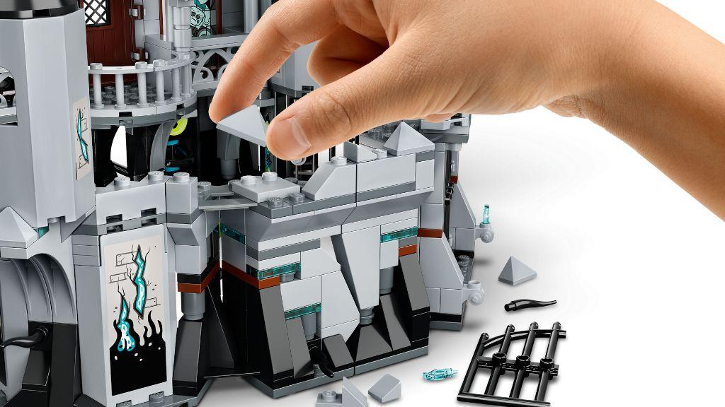 LEGO Hidden Side 70437 Castle Of Mystery 8