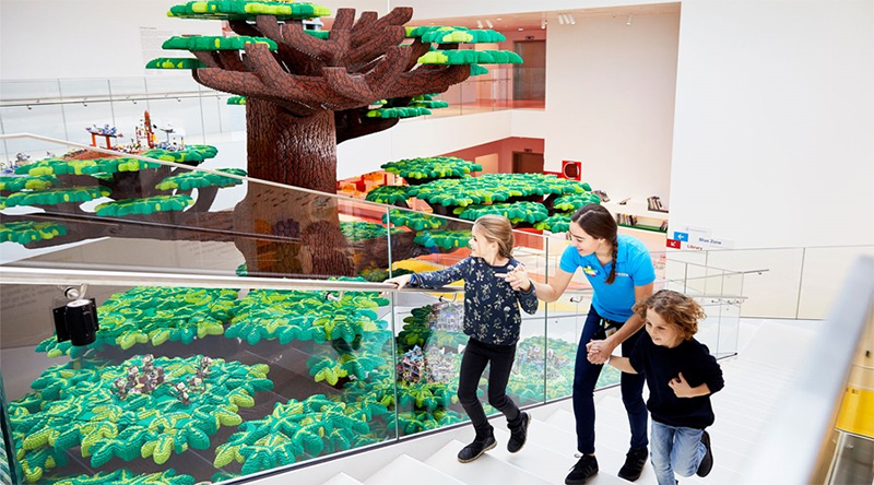 LEGO House Tree Featured