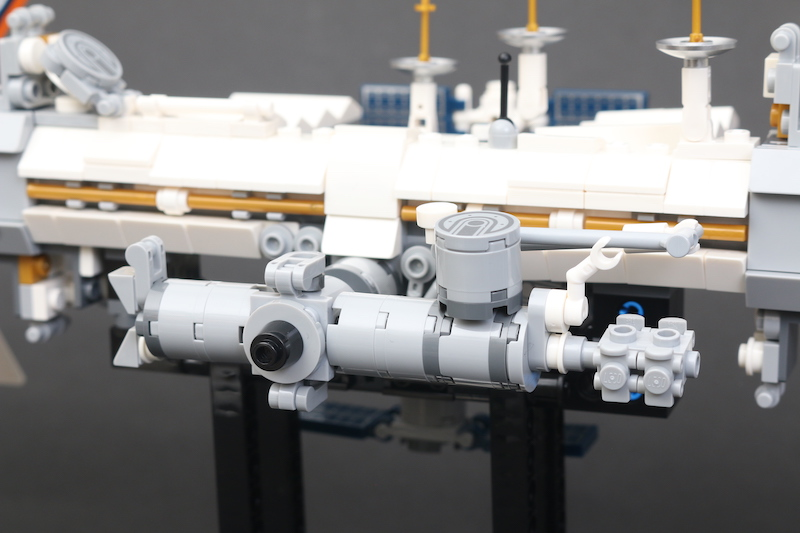 LEGO IDEAS 21321 International Space Station Review 11
