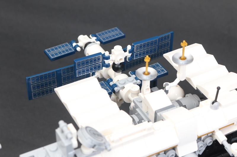 LEGO IDEAS 21321 International Space Station Review 12