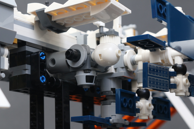 LEGO IDEAS 21321 International Space Station Review 14