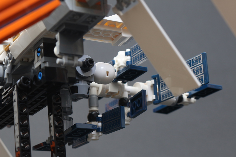 LEGO IDEAS 21321 International Space Station Review 15