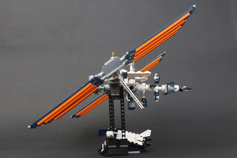 LEGO IDEAS 21321 International Space Station Review 4