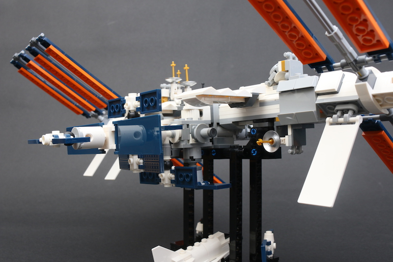 LEGO IDEAS 21321 International Space Station Review 6