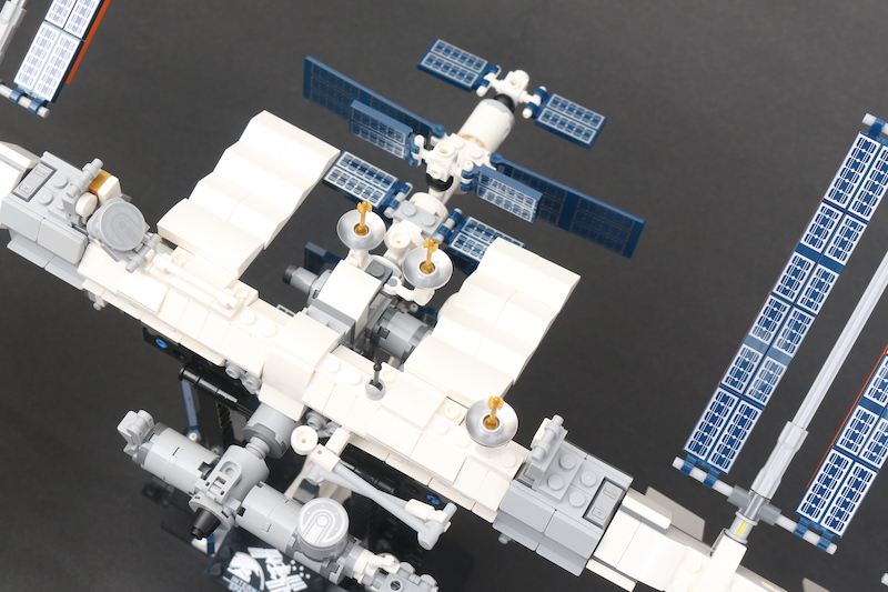 LEGO IDEAS 21321 International Space Station Review 7