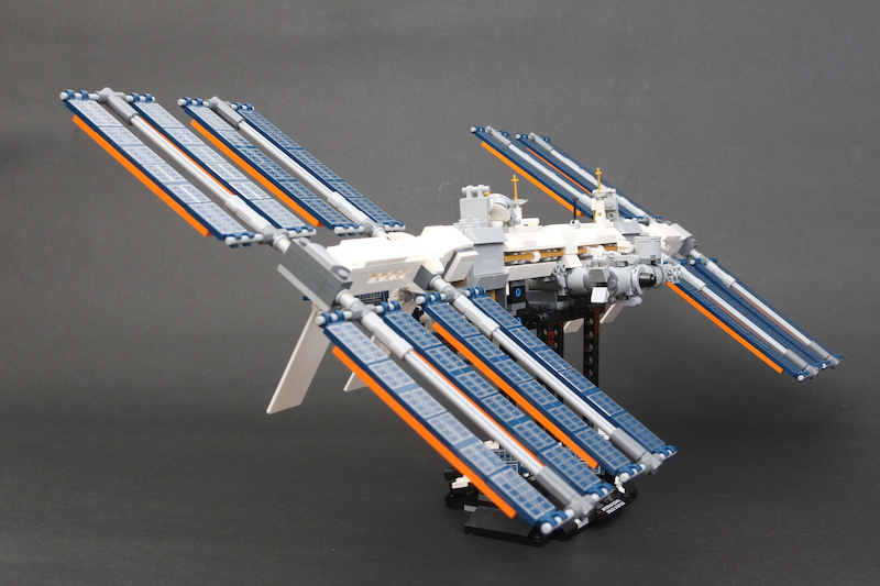 LEGO IDEAS 21321 International Space Station Review 9