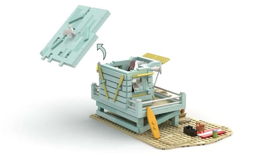 LEGO IDeas Lifeguard Shack Open