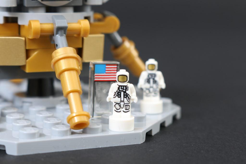 LEGO Ideas 21309 92176 NASA Apollo Saturn V Review 17