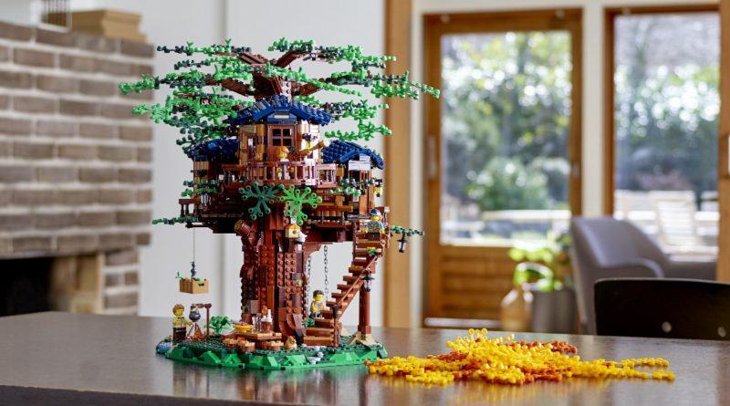 LEGO Ideas 21318 Treehouse lifestyle resized featured
