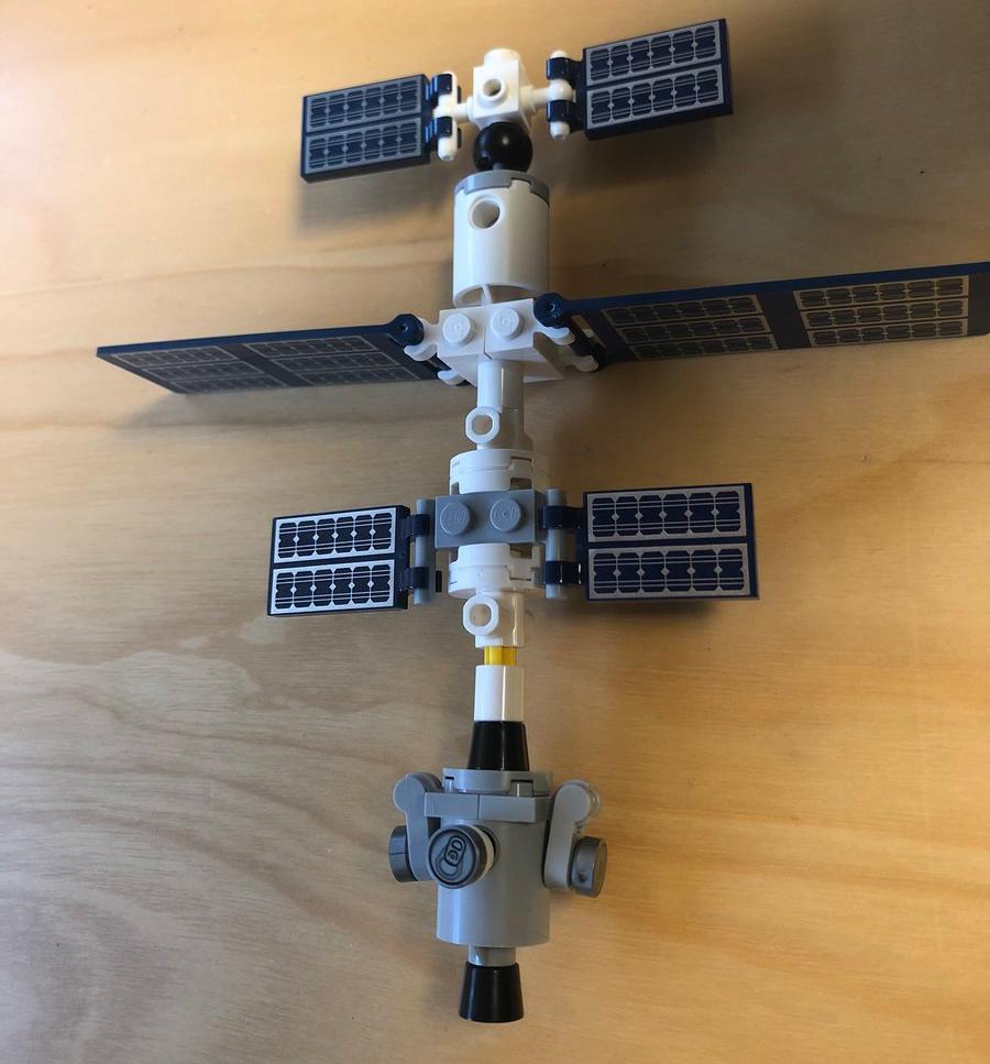 LEGO Ideas 21321 ISS History 2