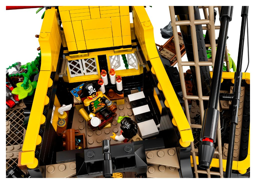 LEGO Ideas 21322 Pirates Of Barracuda Bay 10