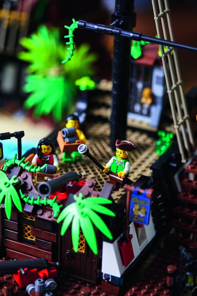 LEGO Ideas 21322 Pirates Of Barracuda Bay 46