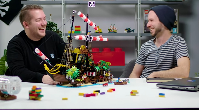 LEGO-Ideas-21322-Pirates-of-Barracuda-Bay-designer-video