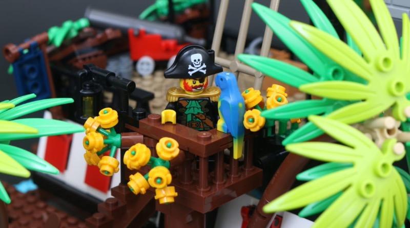 LEGO Ideas 21322 Pirates Of Barracuda Bay Featured 2 1