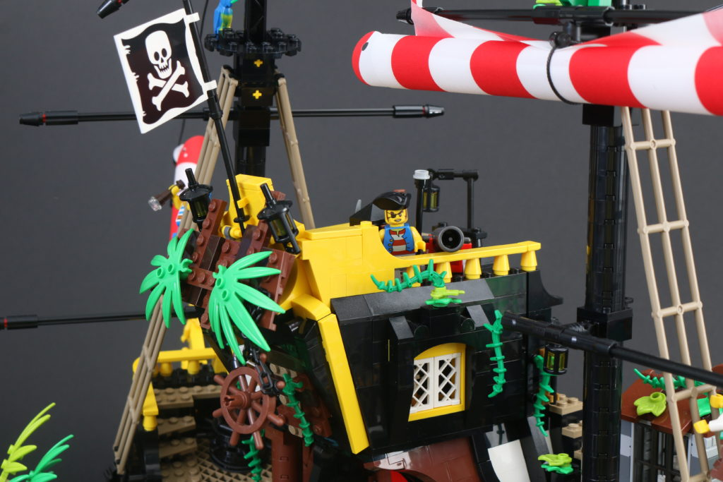 LEGO Ideas 21322 Pirates Of Barracuda Bay Review 12