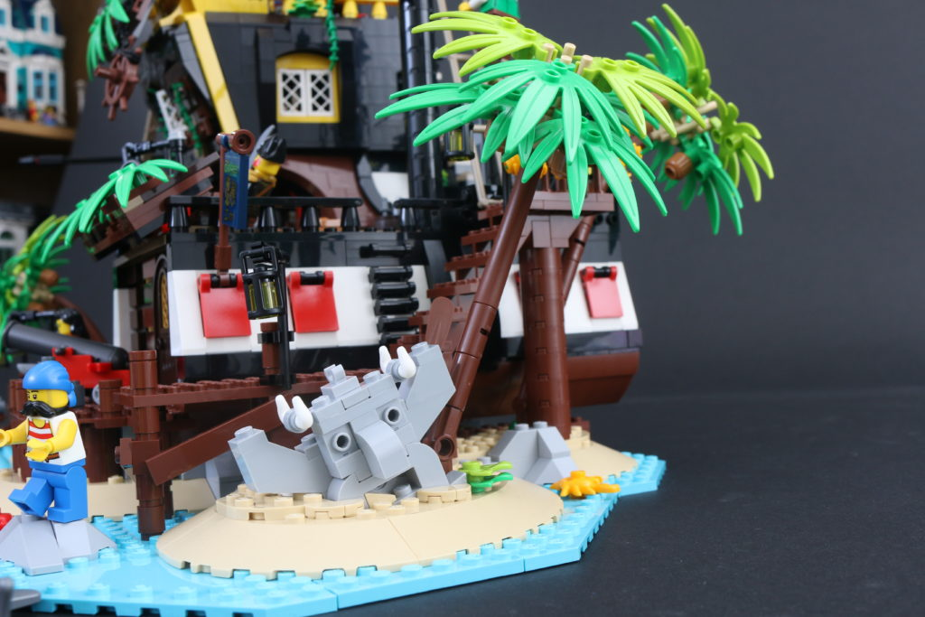 LEGO Ideas 21322 Pirates Of Barracuda Bay Review 15