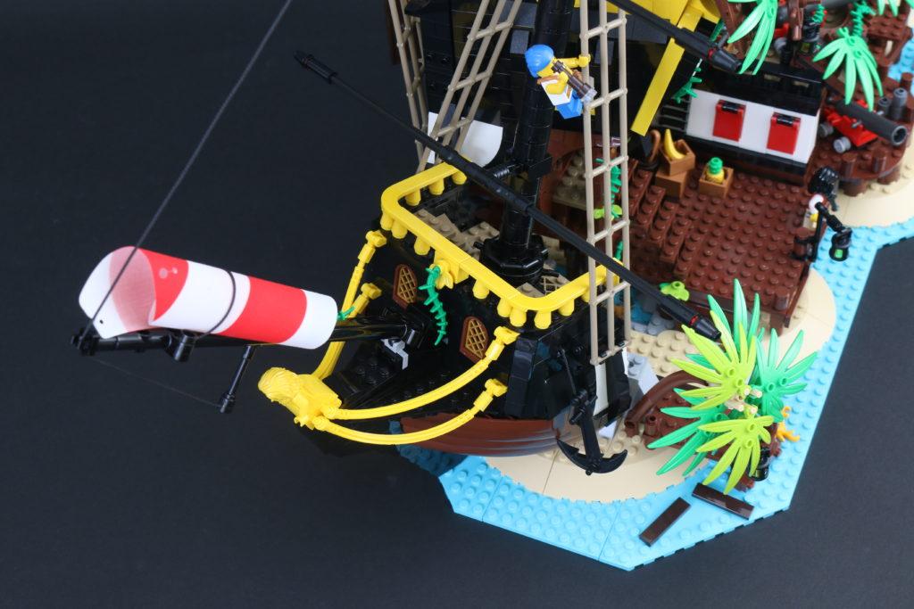 LEGO Ideas 21322 Pirates of Barracuda Bay review 17