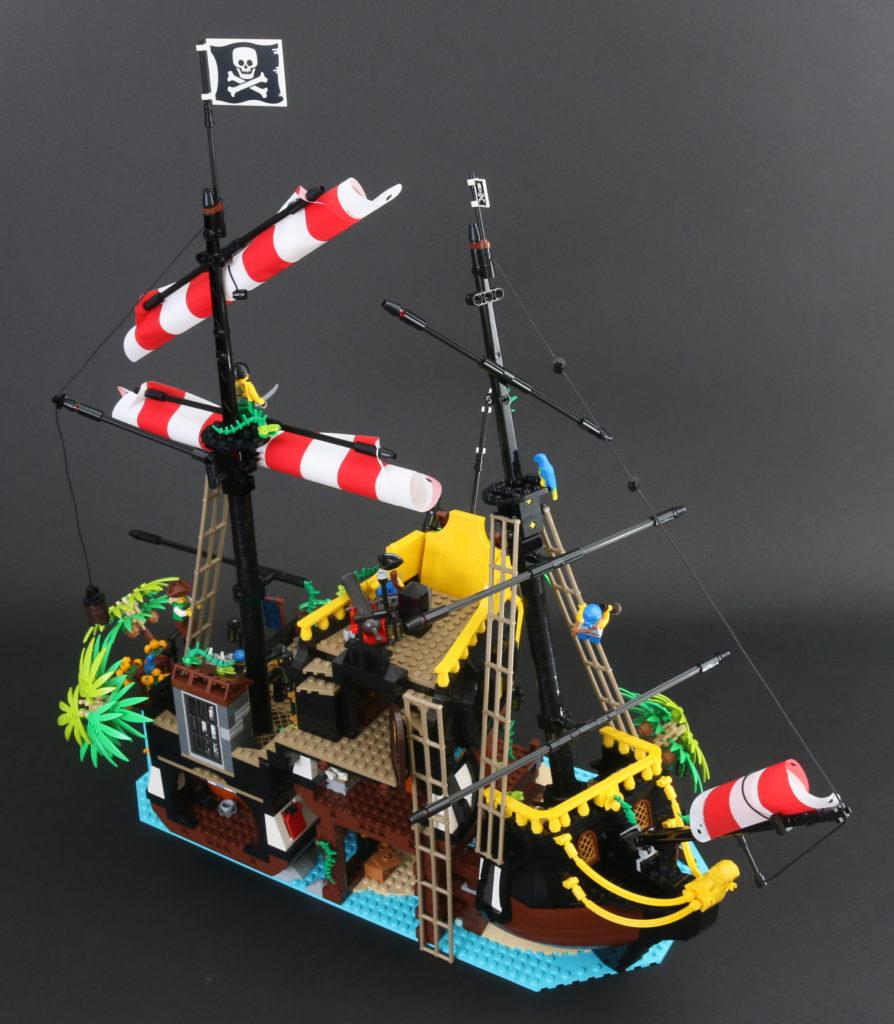 LEGO Ideas 21322 Pirates Of Barracuda Bay Review 1ix