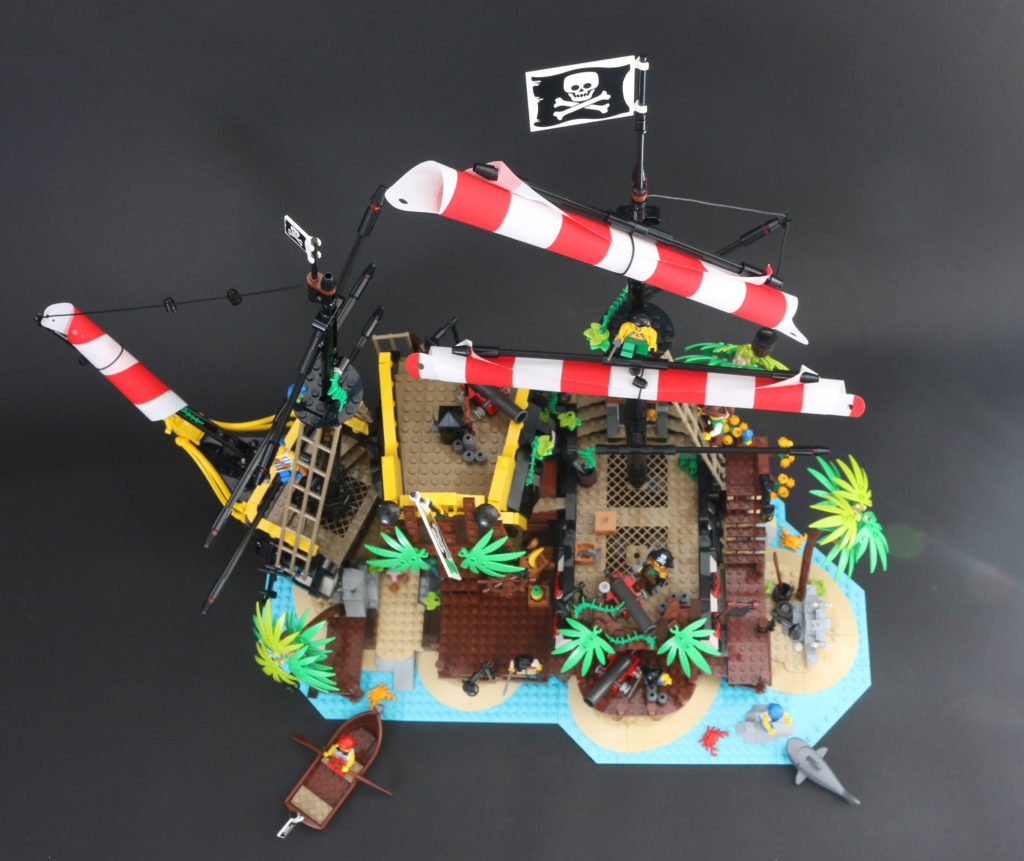 LEGO Ideas 21322 Pirates Of Barracuda Bay Review 1v