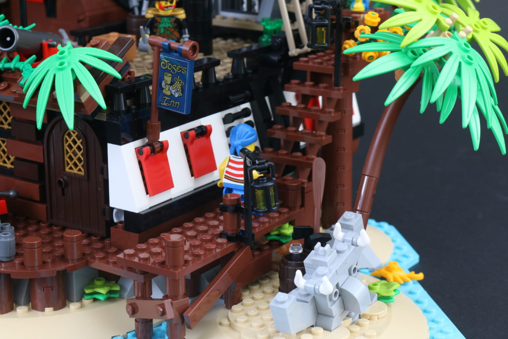 LEGO Ideas 21322 Pirates Of Barracuda Bay Review 20