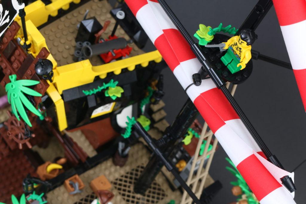 LEGO Ideas 21322 Pirates of Barracuda Bay review 29