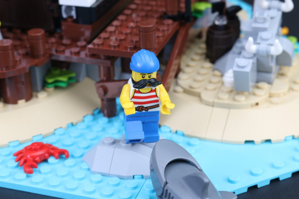 LEGO Ideas 21322 Pirates Of Barracuda Bay Review 4