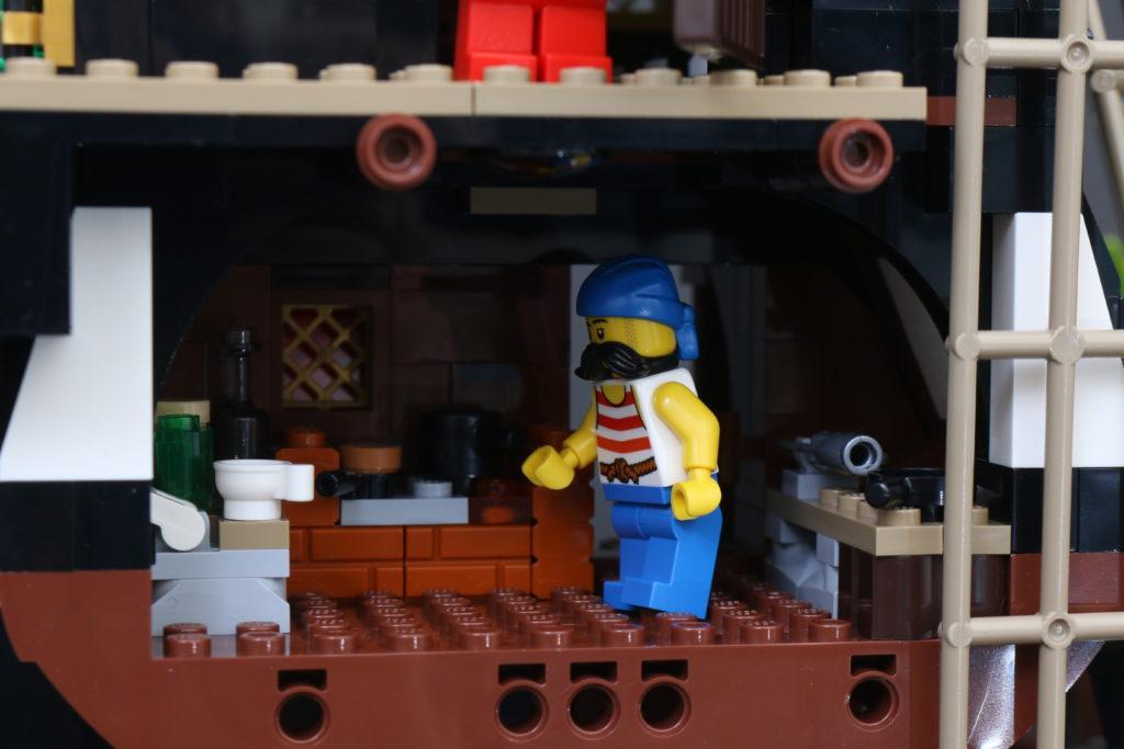 LEGO Ideas 21322 Pirates of Barracuda Bay review 40