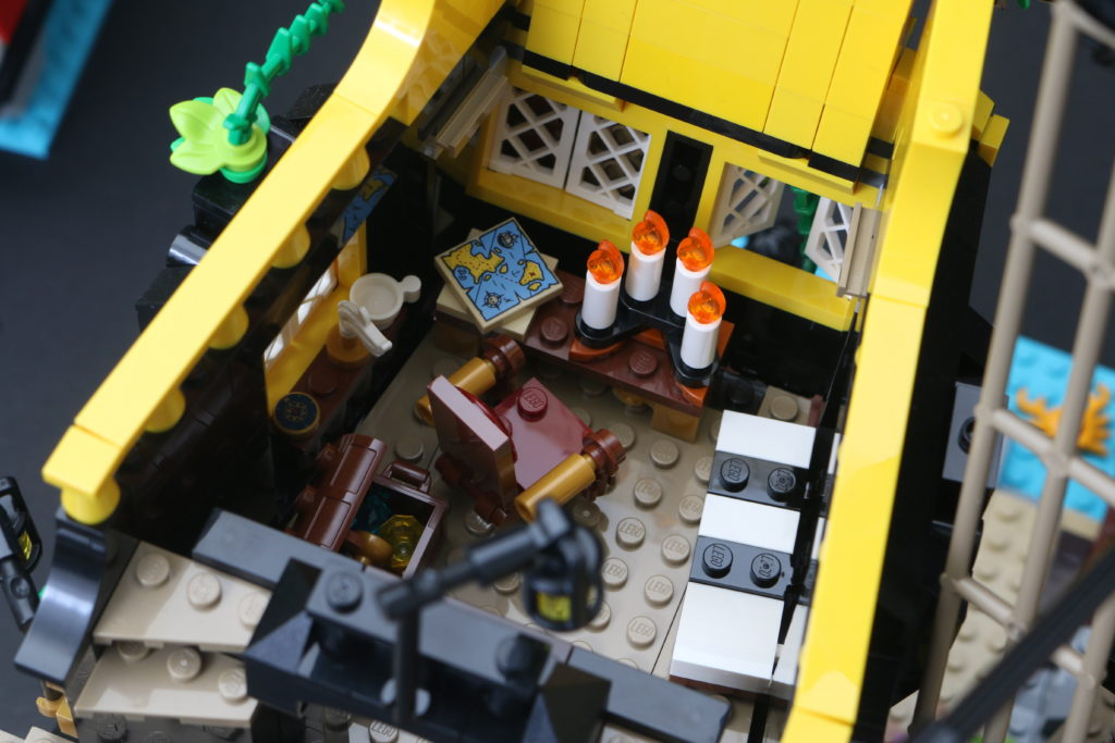 LEGO Ideas 21322 Pirates of Barracuda Bay review 45