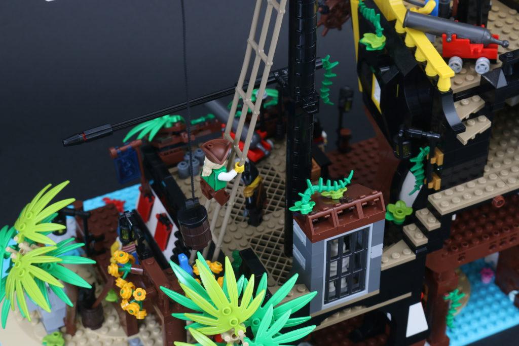 LEGO Ideas 21322 Pirates of Barracuda Bay review 49