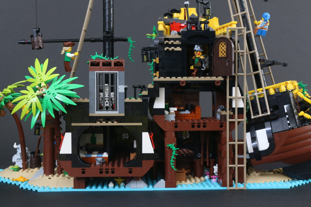 LEGO Ideas 21322 Pirates Of Barracuda Bay Review 51