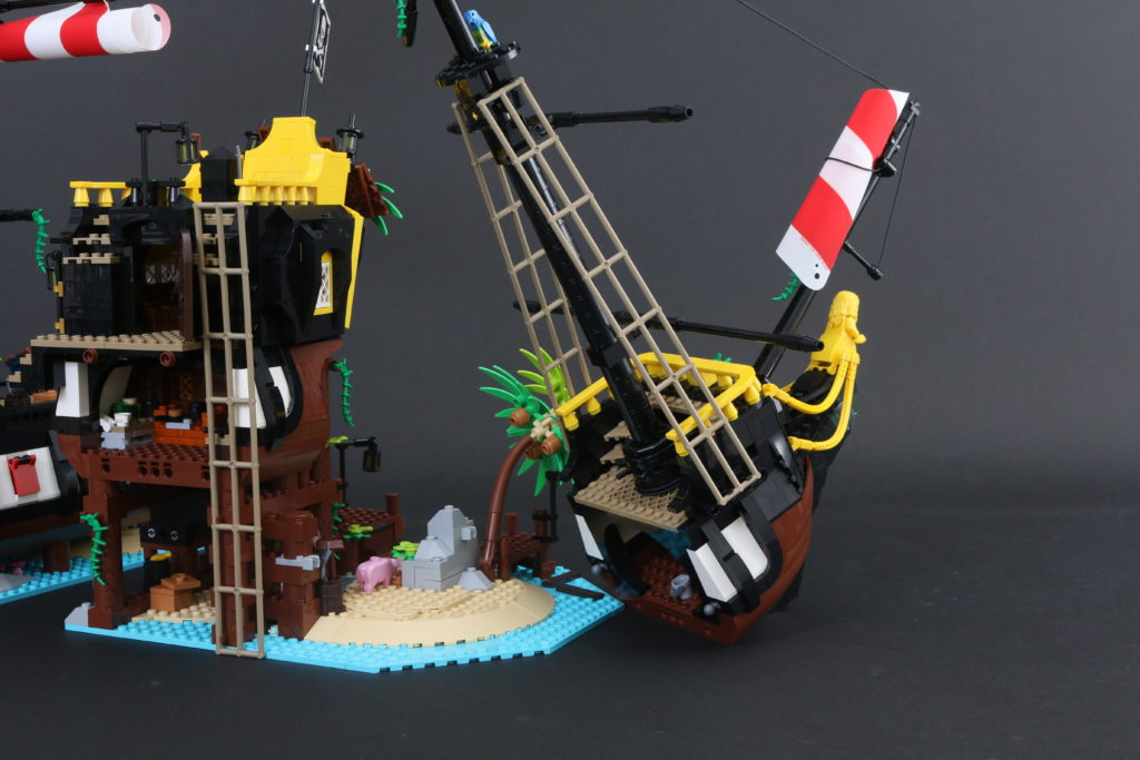 LEGO Ideas 21322 Pirates Of Barracuda Bay Review 54