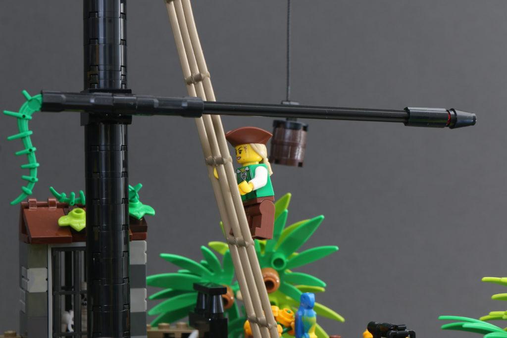 LEGO Ideas 21322 Pirates of Barracuda Bay review 6
