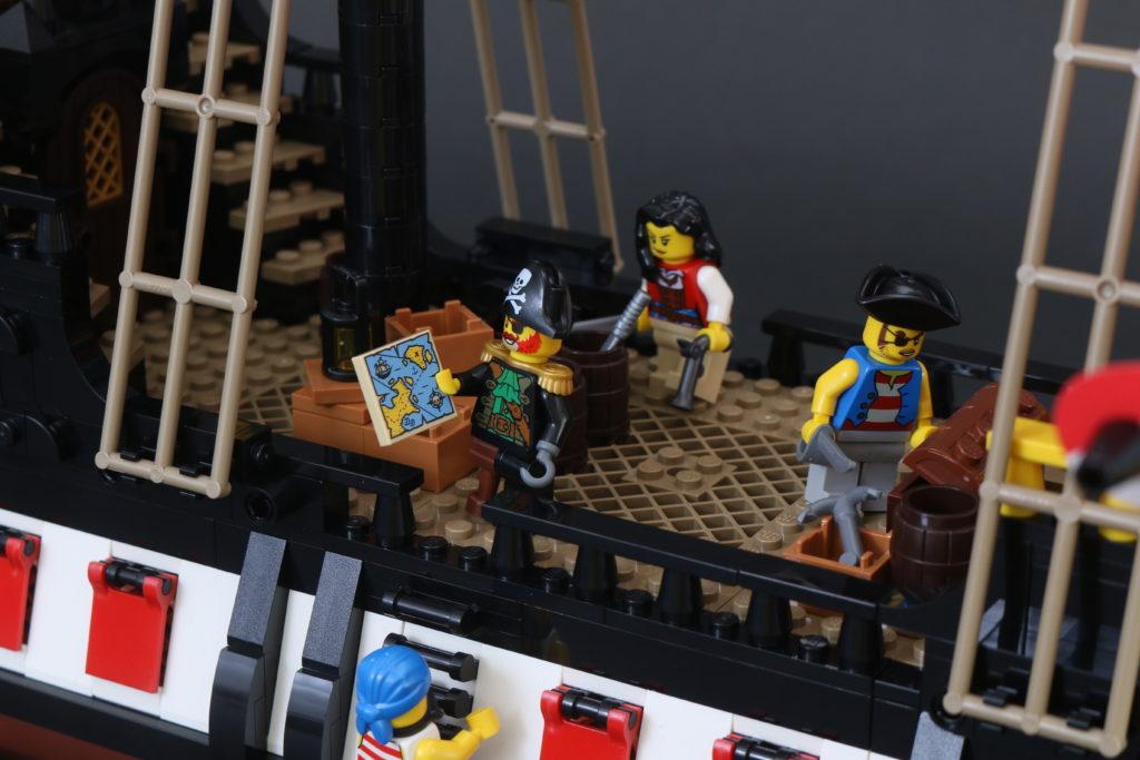 LEGO Ideas 21322 Pirates of Barracuda Bay review 66