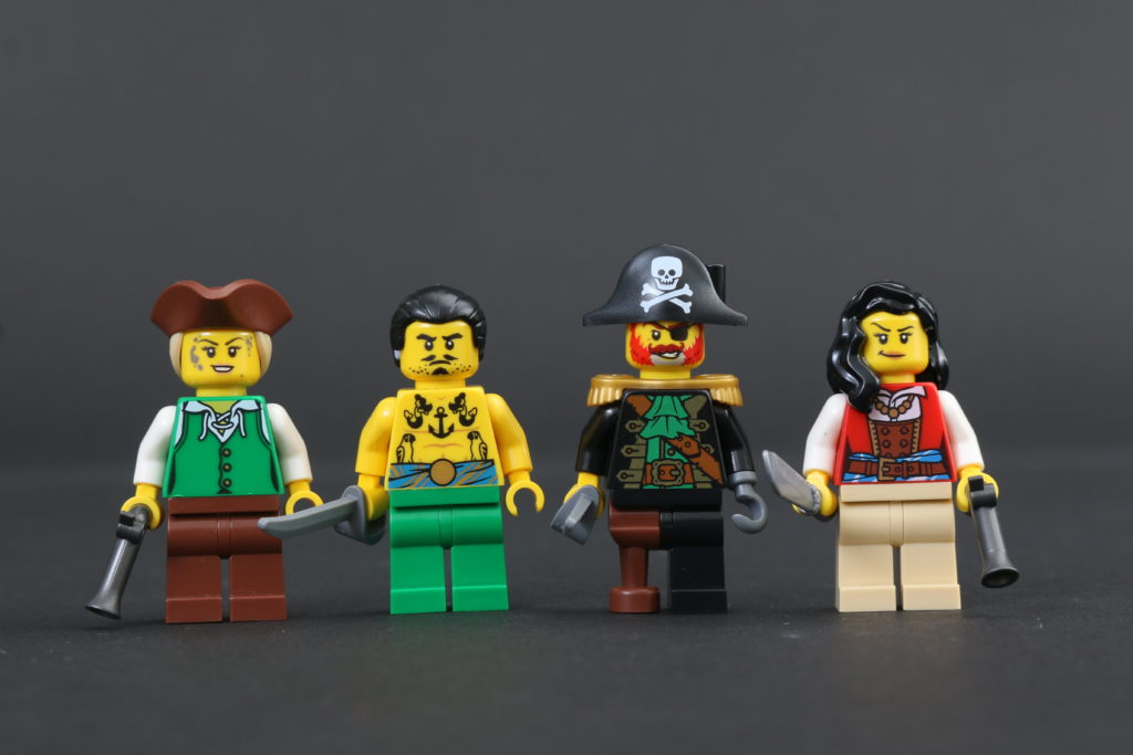 LEGO Ideas 21322 Pirates Of Barracuda Bay Review 77