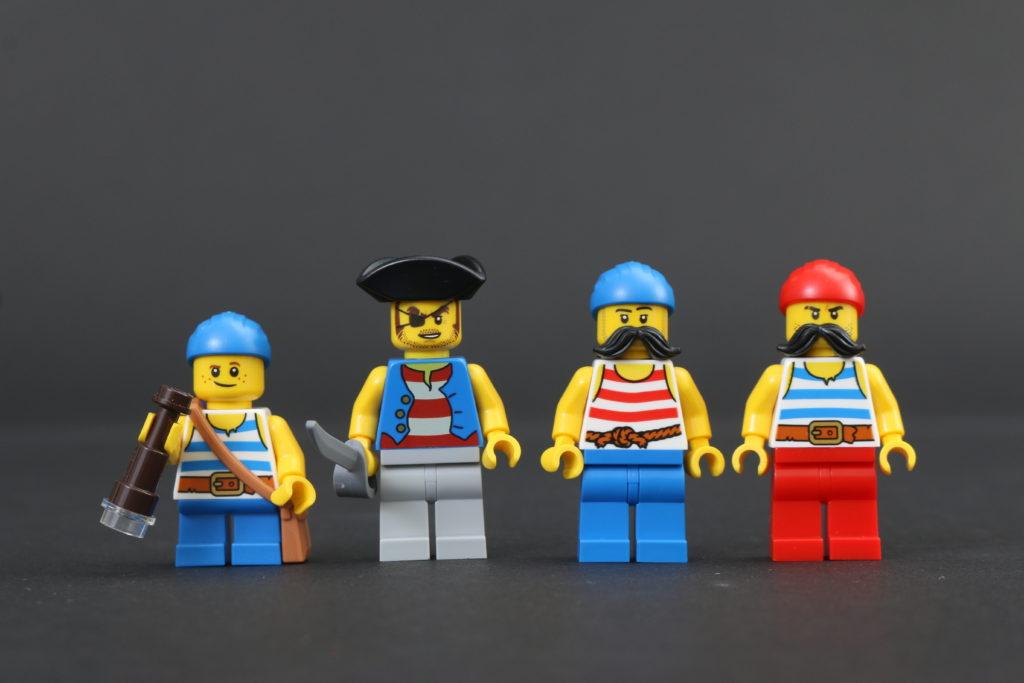 LEGO Ideas 21322 Pirates of Barracuda Bay review 79