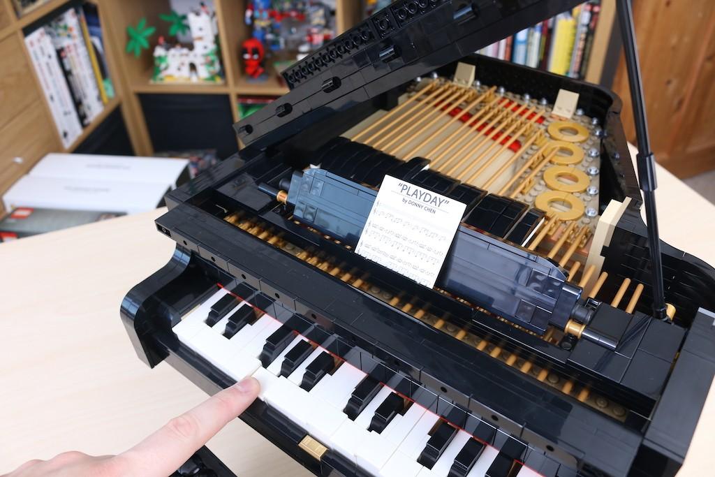 LEGO Ideas 21323 Grand Piano Review 38