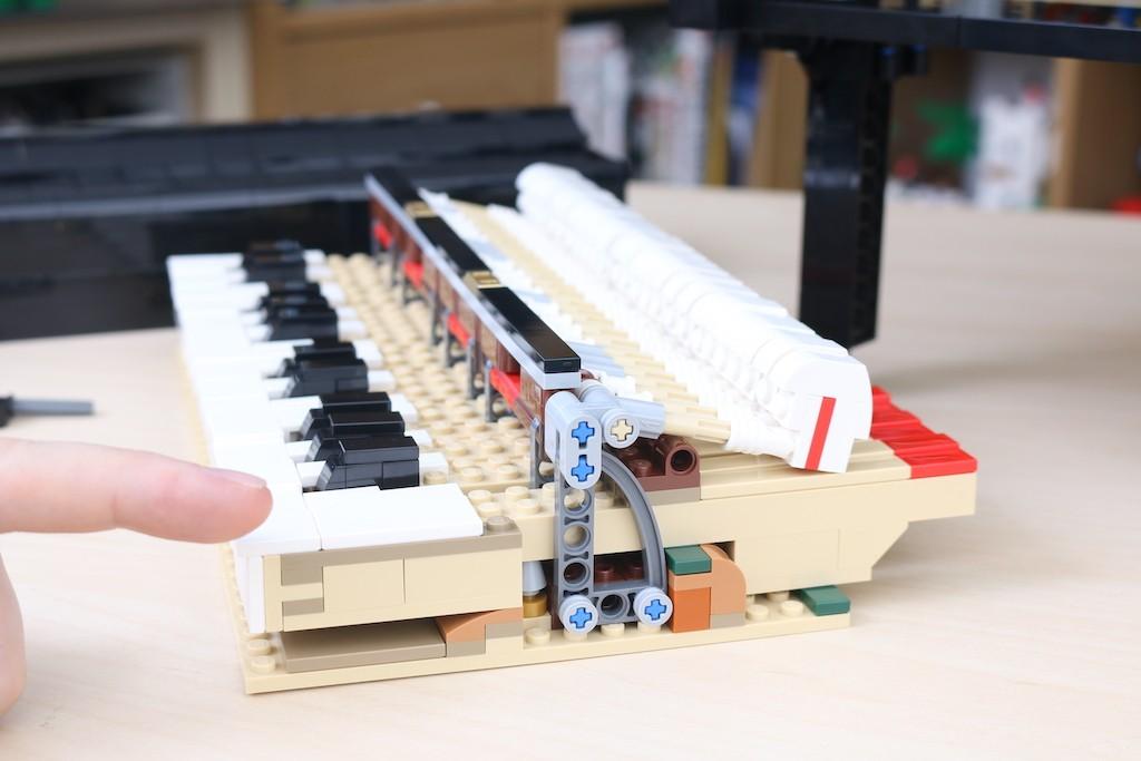 LEGO Ideas 21323 Grand Piano Review 47