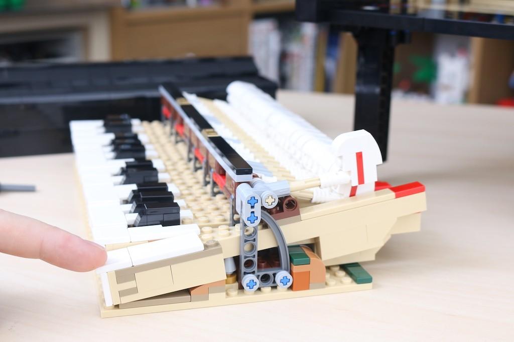 LEGO Ideas 21323 Grand Piano Review 48