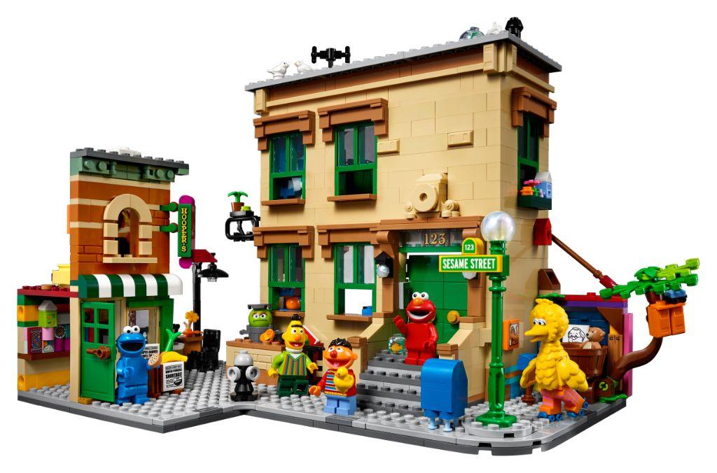 LEGO Ideas 21324 Sesame Street 10