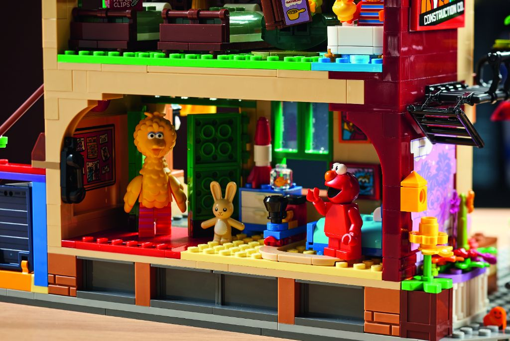 LEGO Ideas 21324 Sesame Street 13