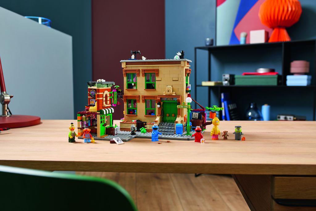 LEGO Ideas 21324 Sesame Street 18