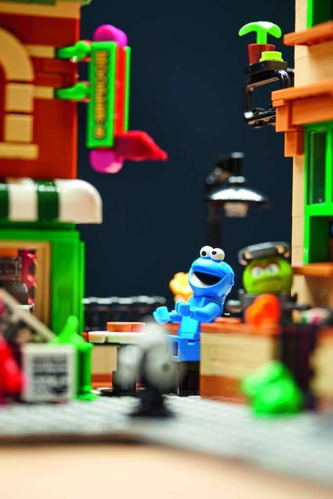 LEGO Ideas 21324 Sesame Street 23
