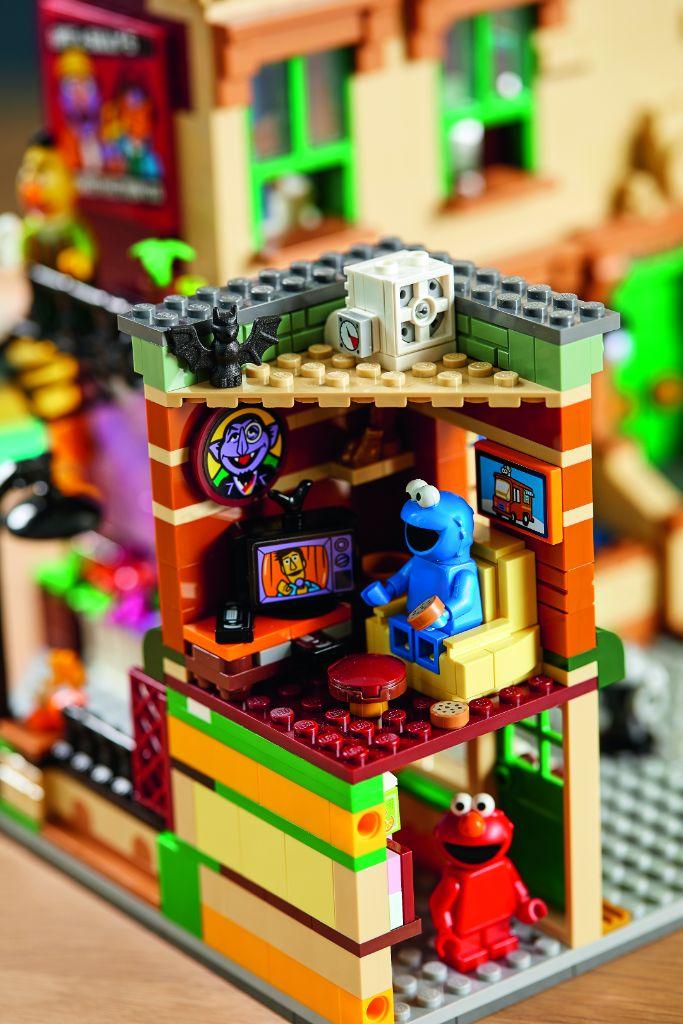 LEGO Ideas 21324 Sesame Street 26