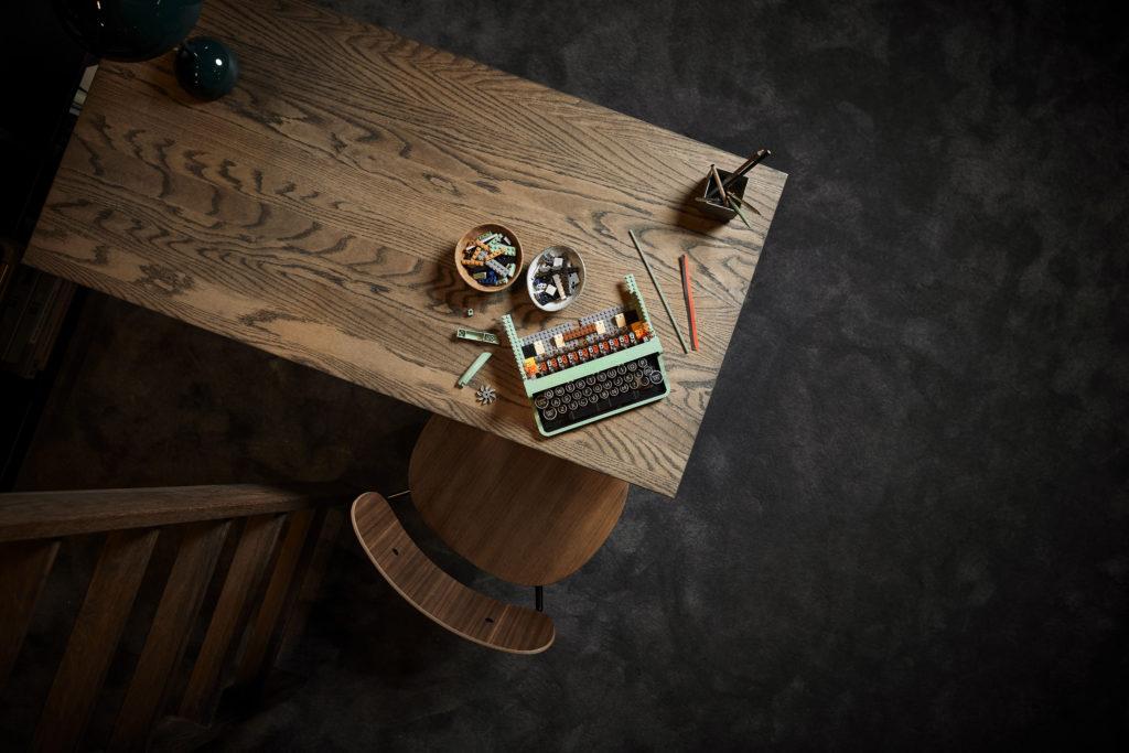 LEGO Ideas 21327 Typewriter lifestyle 16